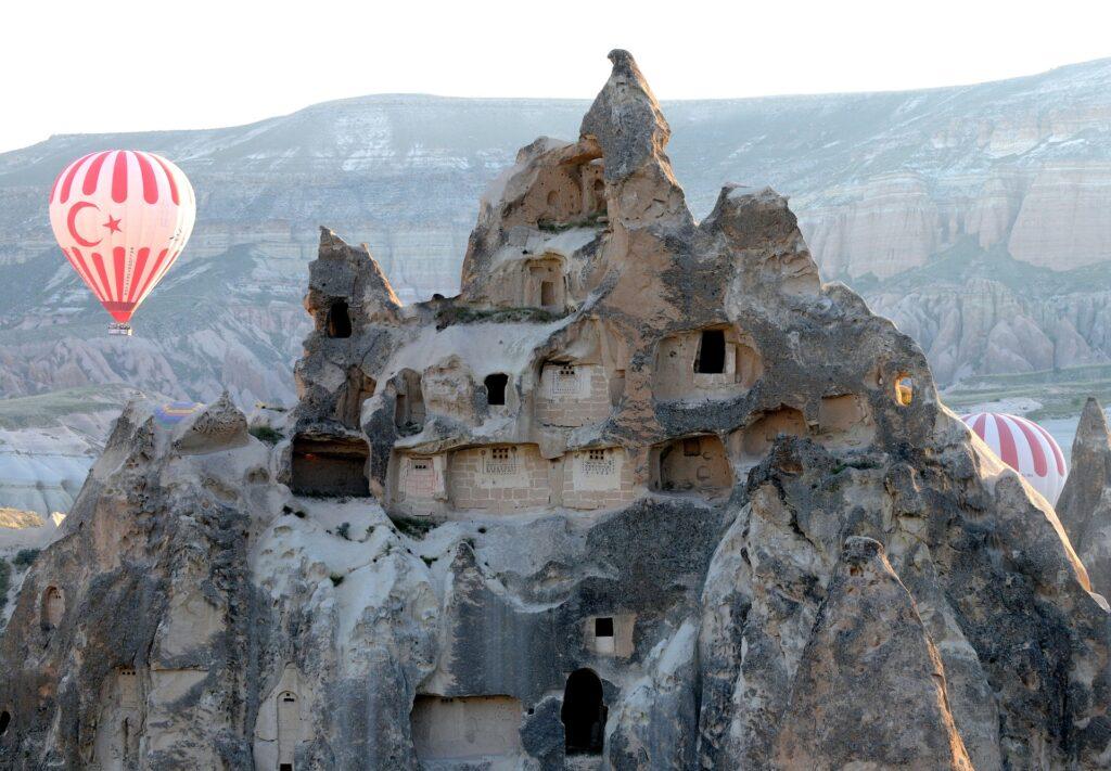 hot air ballooning 568422 1920 2 1024x711 - Natur billeder af Kappadokien
