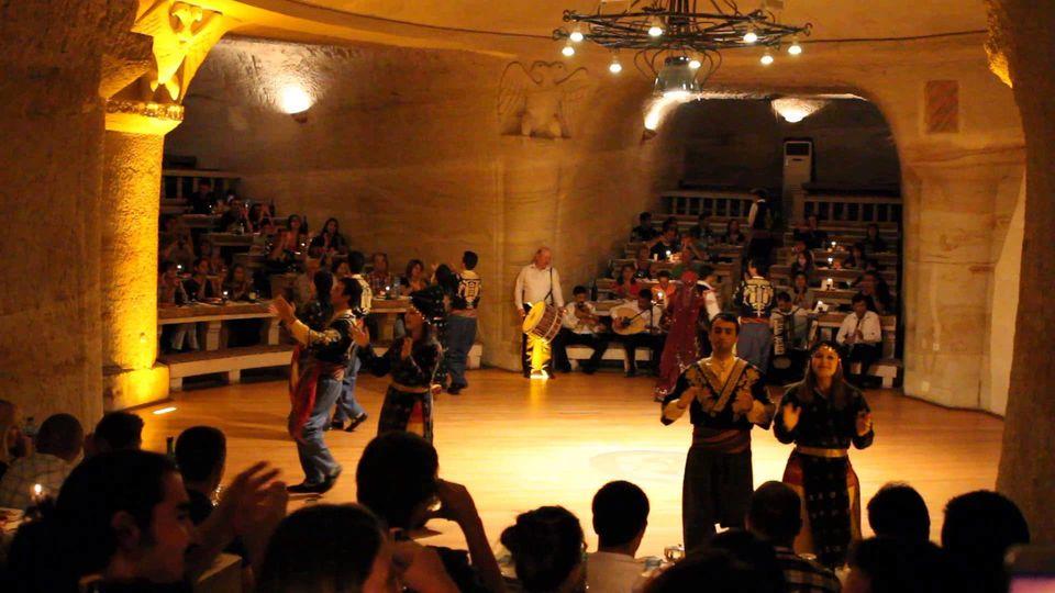 tyrkisk folkedans i kappadokien - Book dine Kappadokien oplevelser online med Getyourguide
