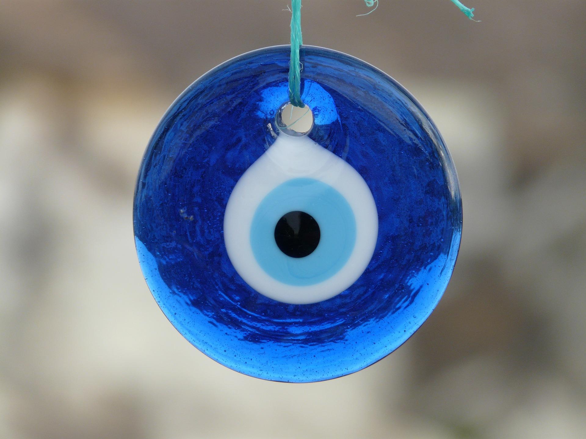 tyrkisk overtro, overtro i tyrkiet, det blå øje, nazar amulet, kappadokien,
