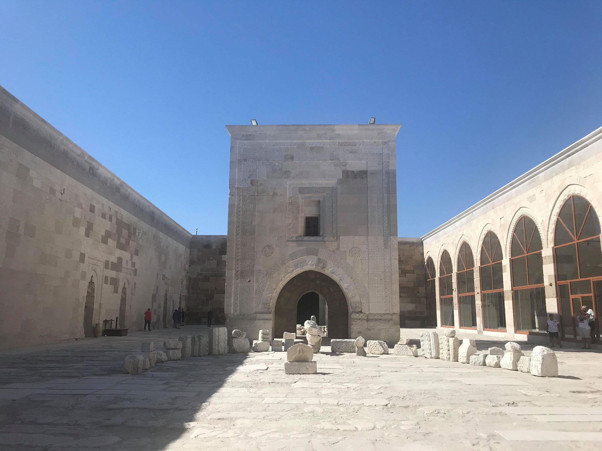 sultanhani karavanestation, sultan hani karavanestation, hvad er en karavanestation, silkevejen karavanestationer, oplevelser i Aksaray, oplevelser i kappadokien, billige oplevelser i kappadokien, seværdigheder i kappadokien, cappadocia, tyrkiets største karavanestation