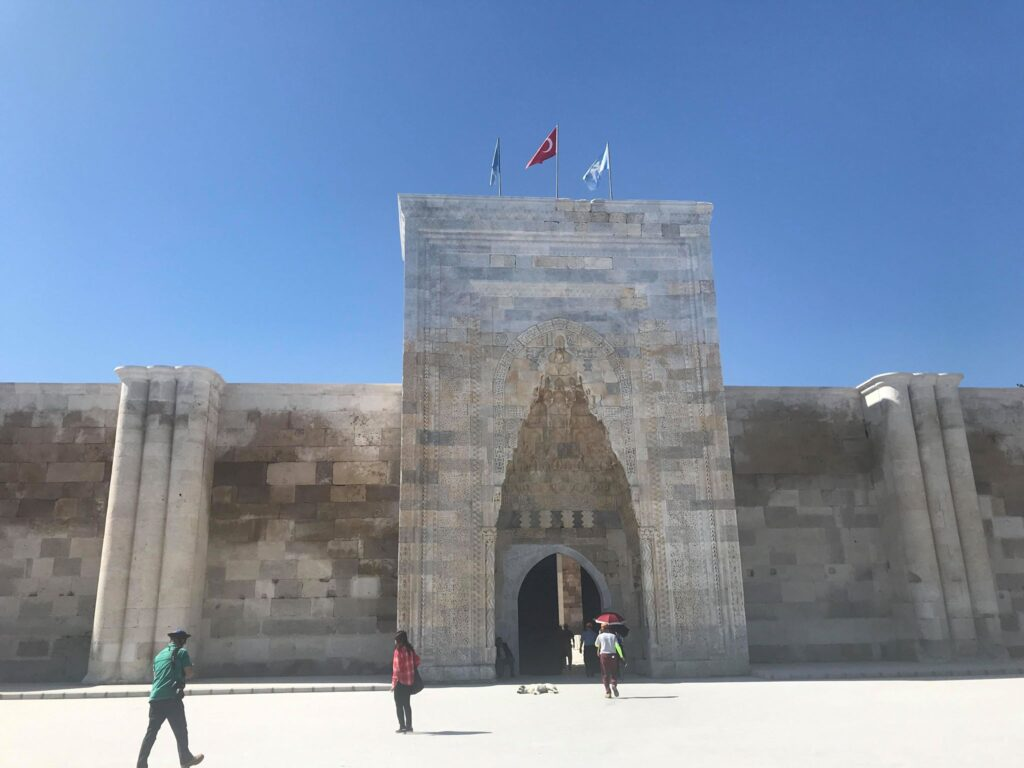 sultanhani karavanestation 1 1024x768 - Sultanhani karavanestation - den største i Tyrkiet.