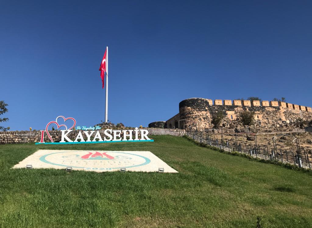 Nevsehir borgen 1024x748 - Kayasehir - den største underjordiske by i Tyrkiet