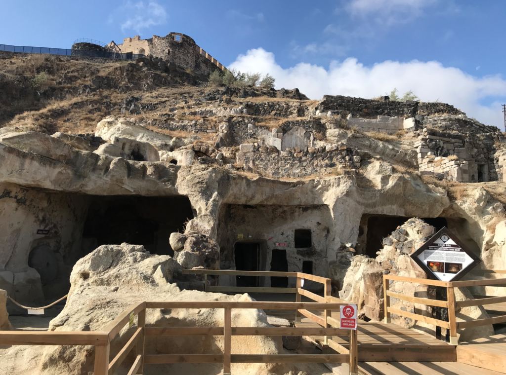 kayasehir oplevelser i nevsehir 1 1024x760 - Kayasehir - den største underjordiske by i Tyrkiet