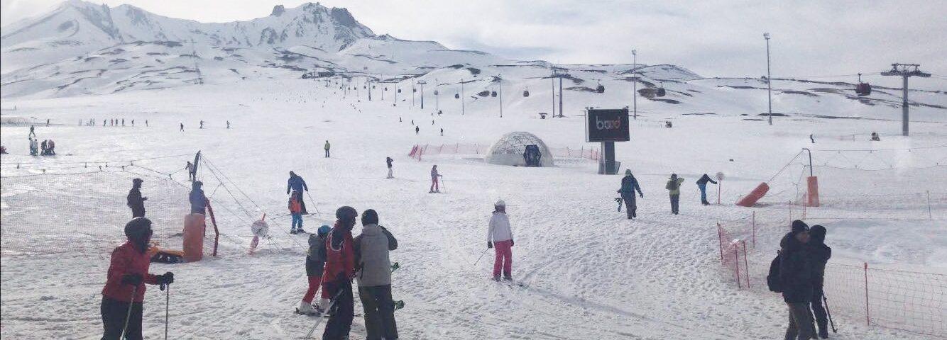 Skisportssted nær Kappadokien, skiferie i tyrkiet, skiferie i cappadocia, skiferie i kappadokien, erciyes kayak skisportssted, erciyes ski resort tyrkiet, oplevelser i tyrkiet, ski oplevelser i tyrkiet, oplevelser i kayseri, skiferie i kayseri, oplevelser i kappadokien og omegn